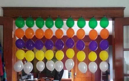 balloonCurtain