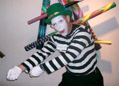Juggles the Mime